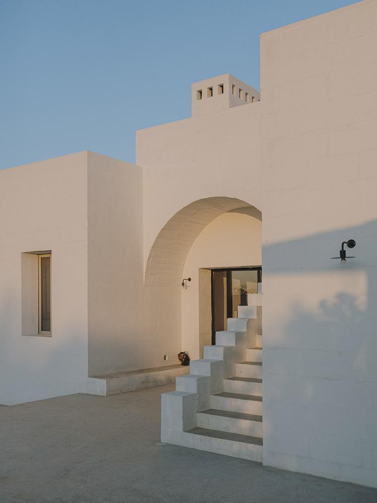 043-villa-cardo-by-studio-andrew-trotter