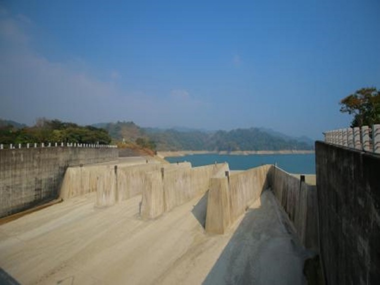 溢洪道与放水洞施工方案