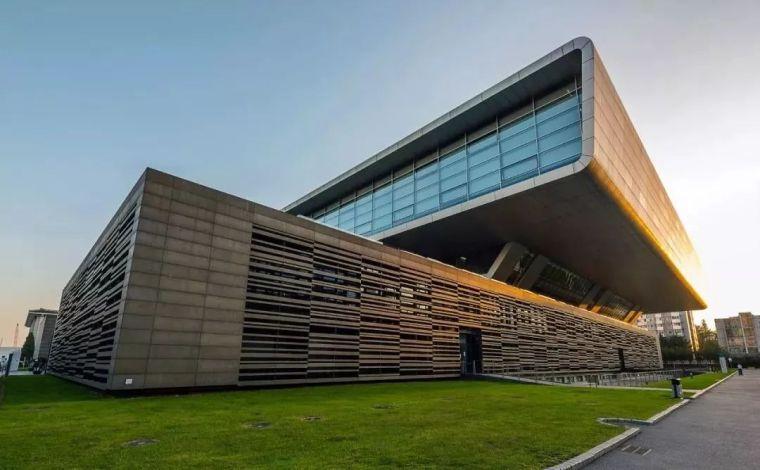 建筑设计:中国图书馆