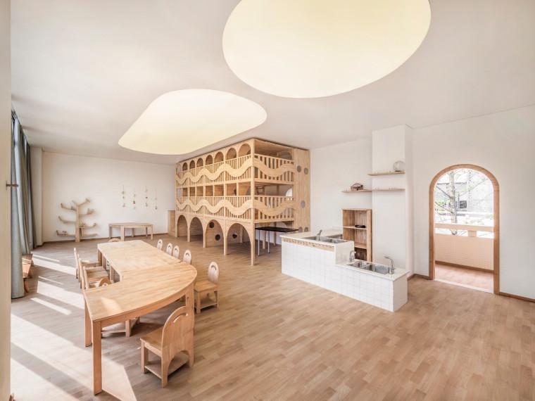 成都现代木质曲线幼儿园