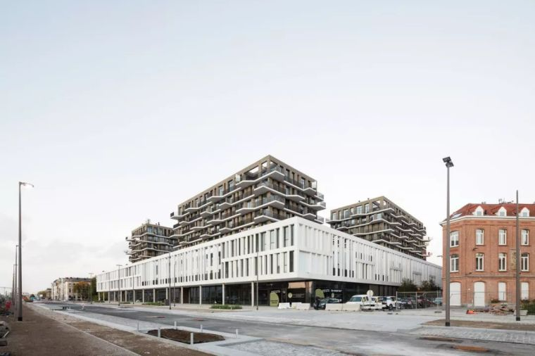 底商+多层住宅建筑设计:比利时卡迪斯公寓