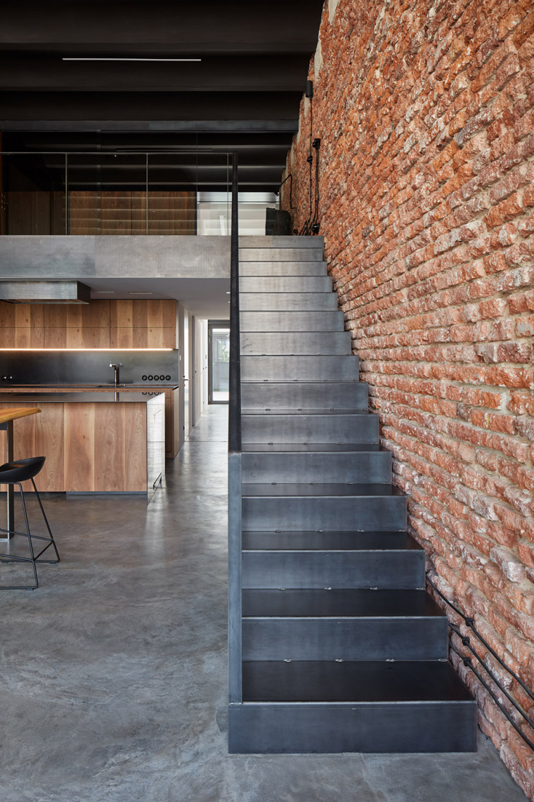 007-LOFT-WITH-LOVE-by-CMC-architects