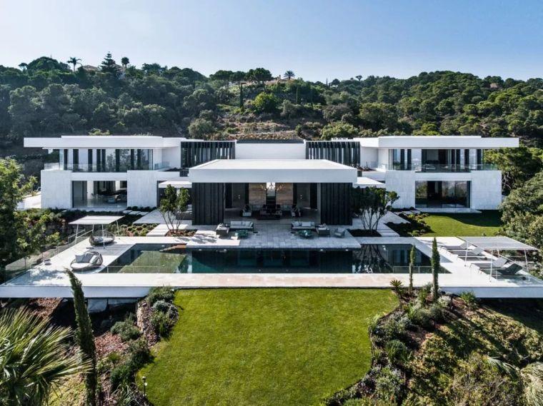 3100㎡的别墅,售价2.5亿,还有惊艳的泳池