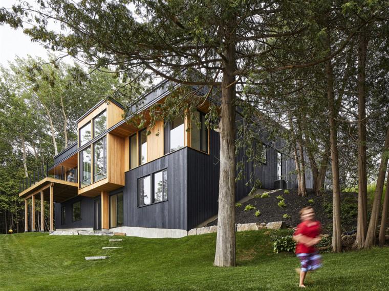 加拿大SturgeonLake住宅
