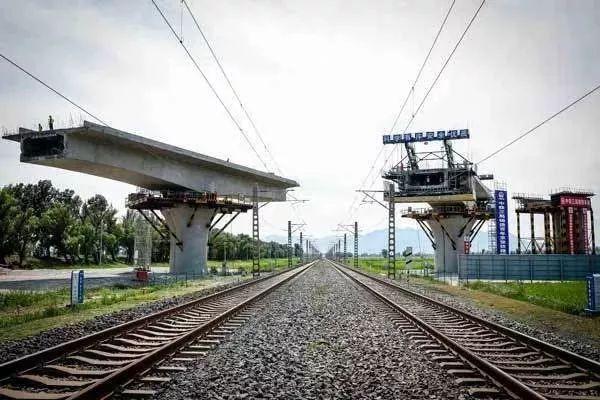 京张铁路转体连续梁桥BIM应用