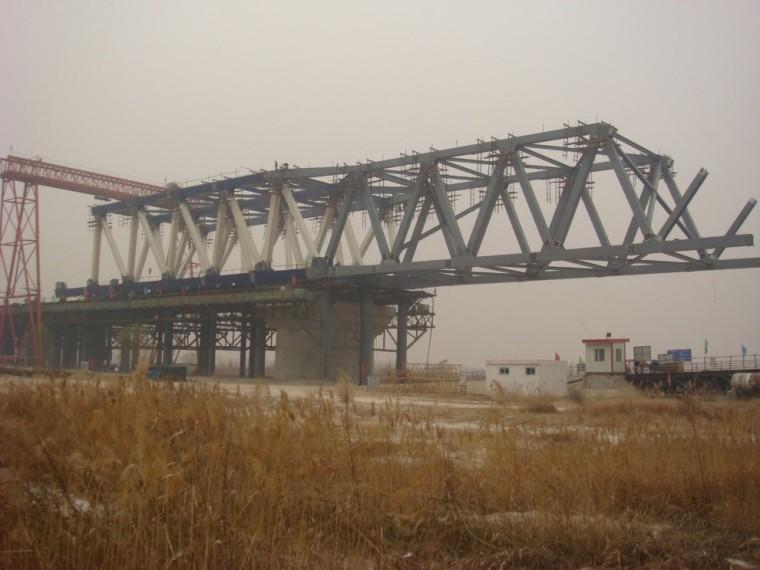 桥梁顶推施工技术概要及工程应用实例