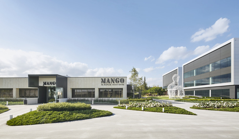 007-Landscape-Project-for-HANGAR-THE-LINE-DESIGN-CENTER-by-AELAND