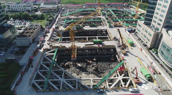被高楼高架浅基础'重围'的超大深基坑工程_6