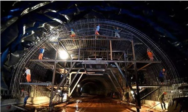 隧道管棚超前支护施工步骤图解