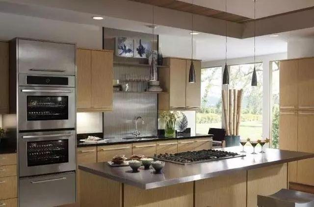 厨房装修,越来越多人橱柜选择不锈钢台面了,原来好处这么多