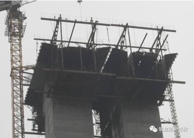 桥梁悬臂浇筑挂篮施工