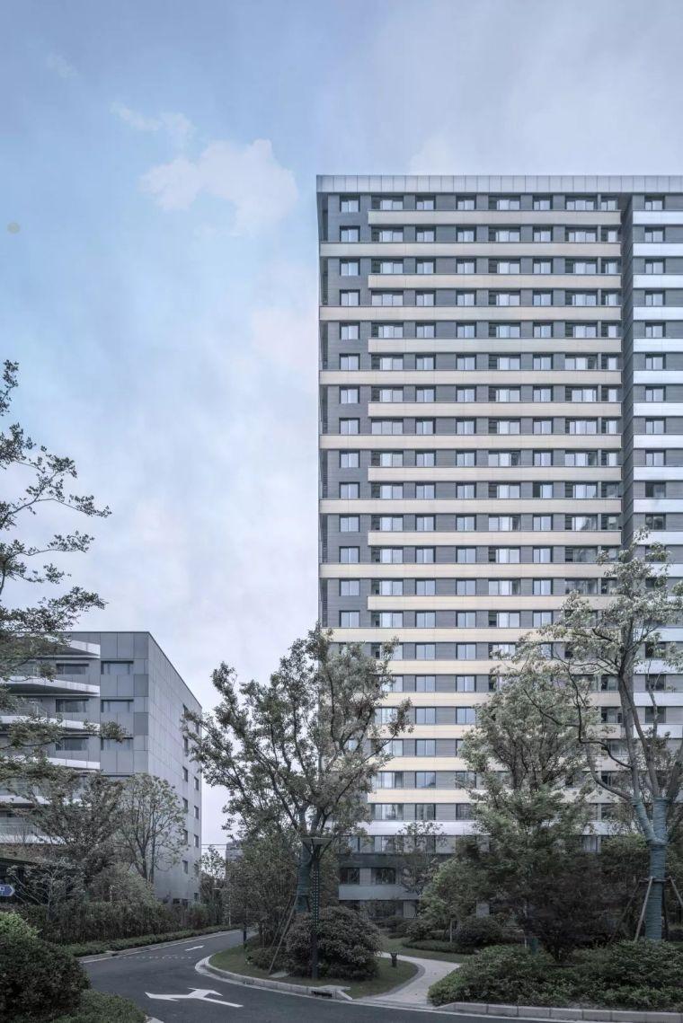 人才公寓建筑文本资料下载-与复杂城市界面的对话|上海长风人才公寓