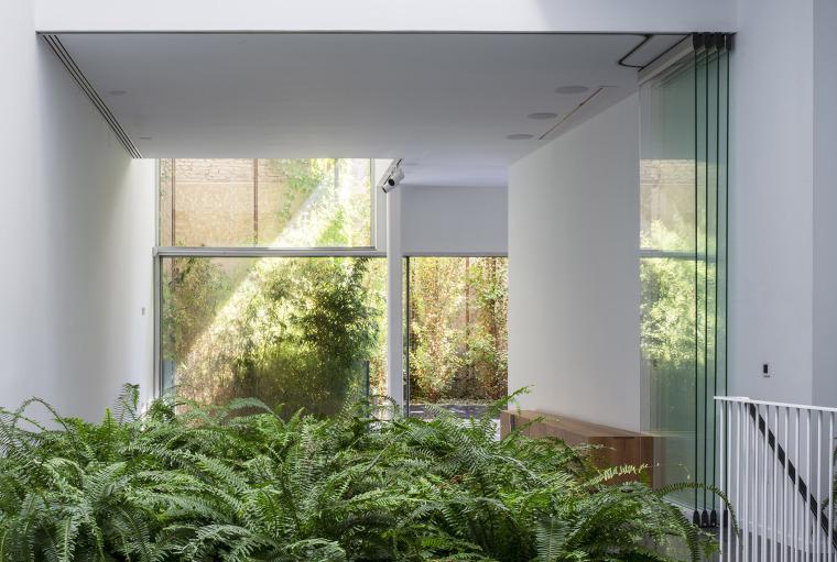 011-house-a11-in-sevilla-by-guillermo-vazquez-consuegra