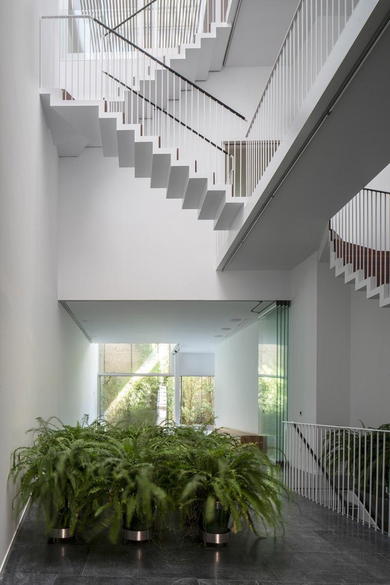 010-house-a11-in-sevilla-by-guillermo-vazquez-consuegra