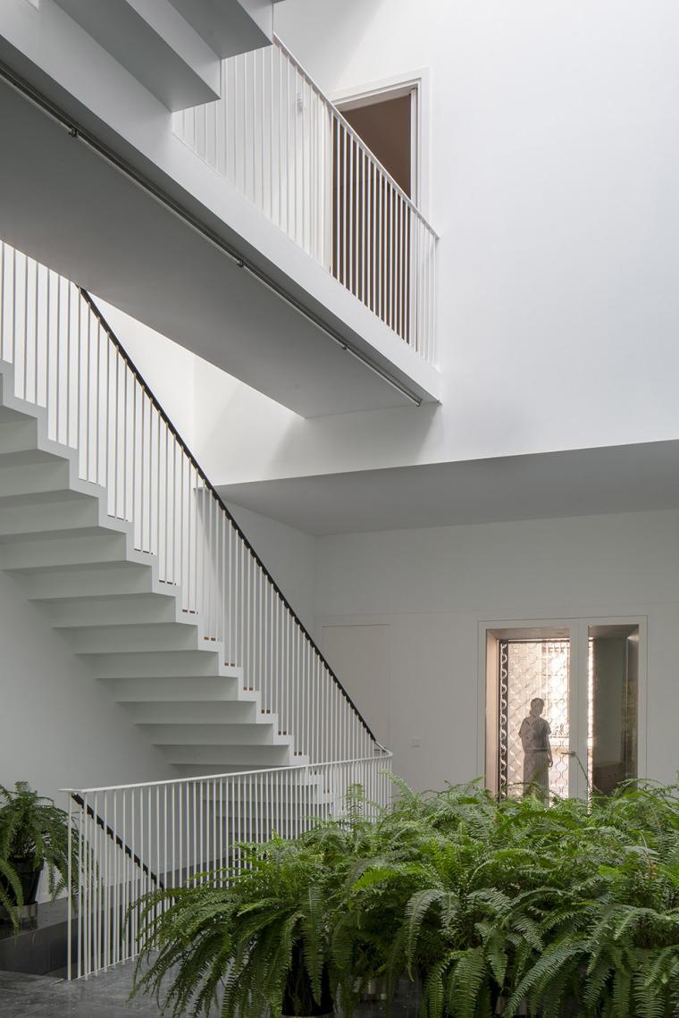 012-house-a11-in-sevilla-by-guillermo-vazquez-consuegra