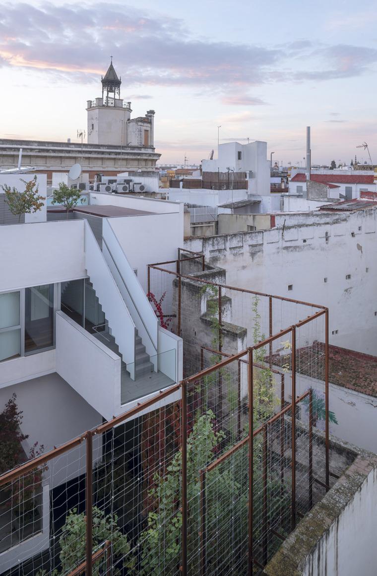 021-house-a11-in-sevilla-by-guillermo-vazquez-consuegra