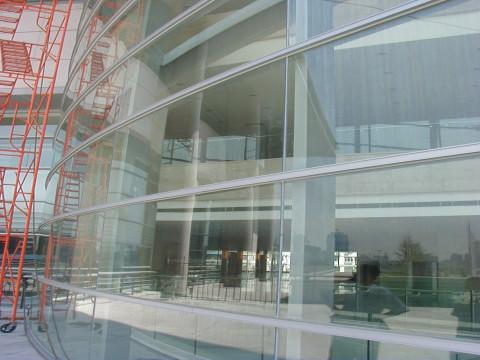 玻璃幕墙工程安装检验方法及案例