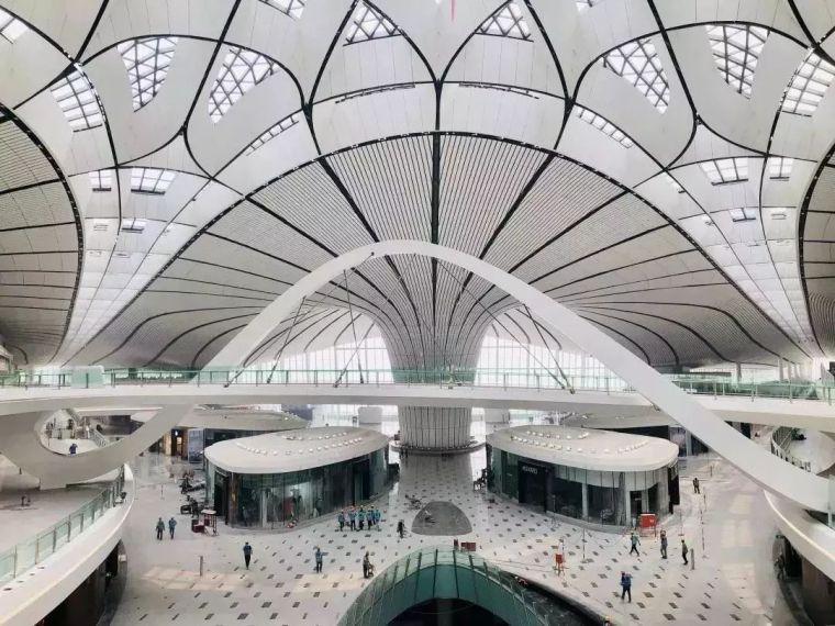 北京大兴机场首日通航,提前献礼建国70年_16
