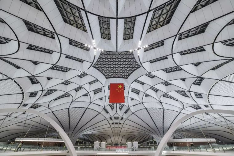 北京大兴机场首日通航,提前献礼建国70年_23