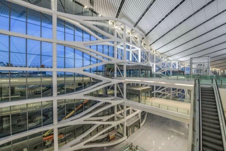 北京大兴机场首日通航,提前献礼建国70年_25