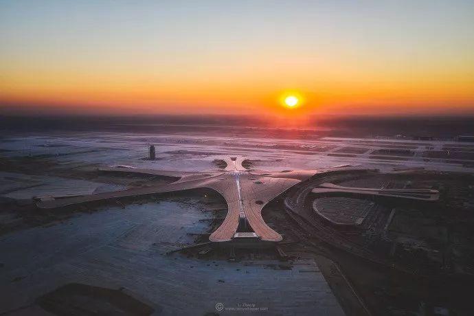 北京大兴机场首日通航,提前献礼建国70年_31