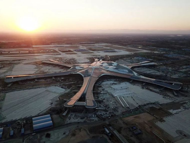 北京大兴机场首日通航,提前献礼建国70年_44