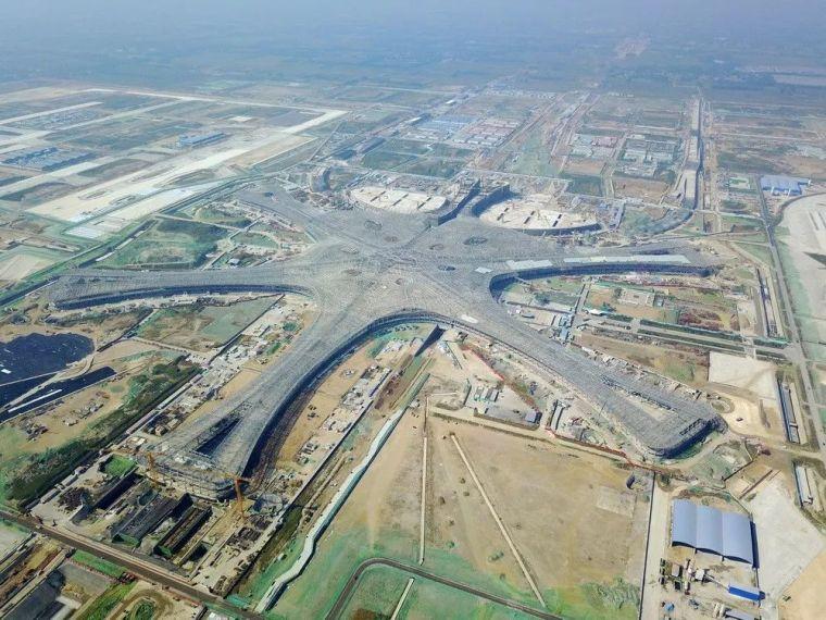 北京大兴机场首日通航,提前献礼建国70年_43