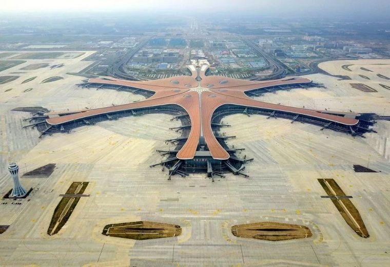 北京大兴机场首日通航,提前献礼建国70年_45