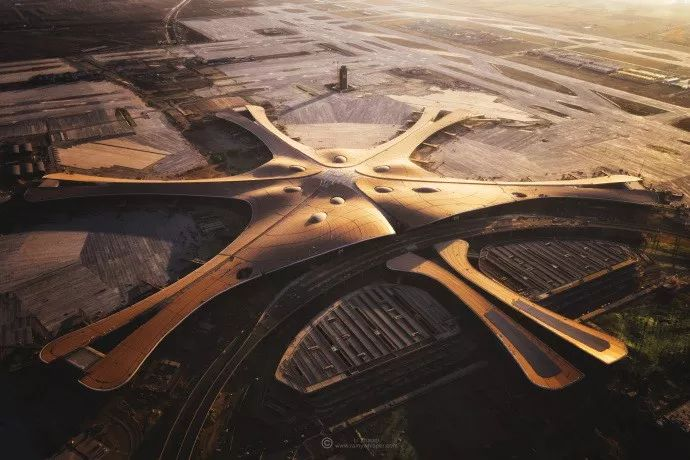 北京大兴机场首日通航,提前献礼建国70年_39