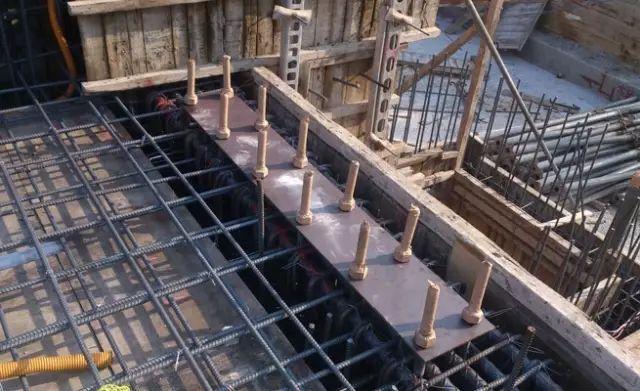 钢结构施工中的预埋螺栓技术_3