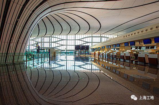 北京大兴机场内最吸睛的大吊顶,是这样的!