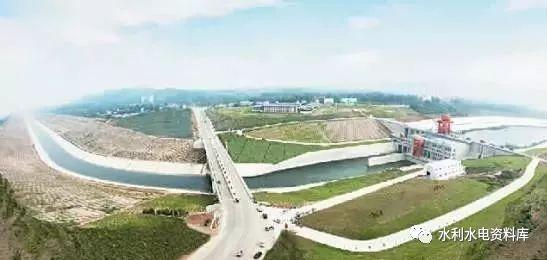 水工建筑物地基基础有哪些特点?