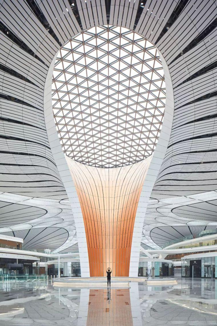 北京大兴机场最新全貌+平面设计图