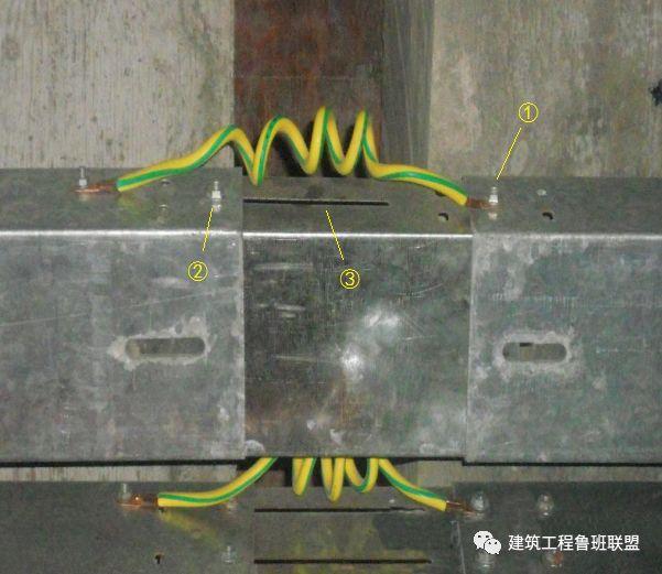 机电管线穿越变形缝实例分析_3