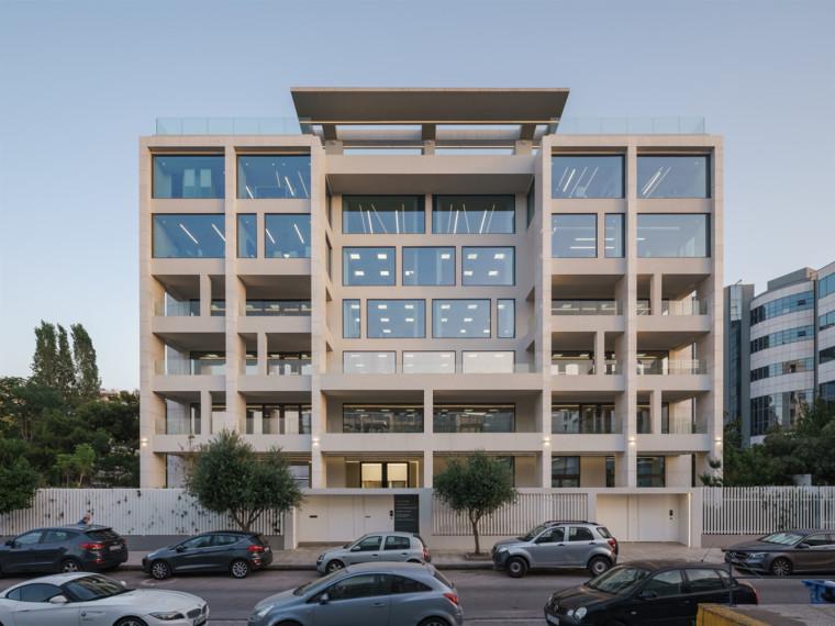 希腊几何并置办公楼