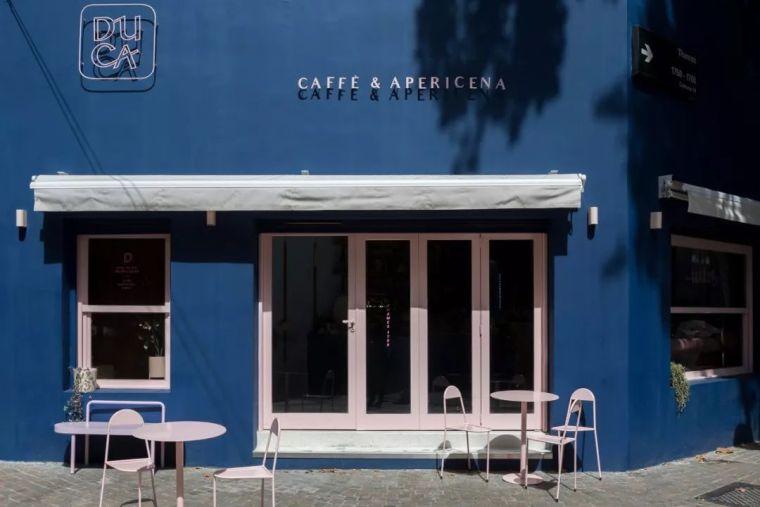 颜色,曲线和灯光—构成了独特的餐厅空间