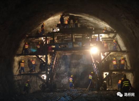 隧道标准化施工实例_6