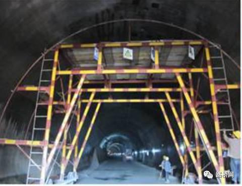 隧道标准化施工实例_41