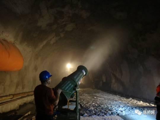 隧道标准化施工实例_55