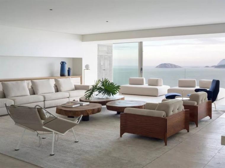 欧式装修140平米资料下载-巴西520平米的海滩别墅