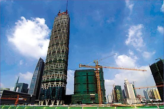 超高层高空塔吊拆除工程及案例分析