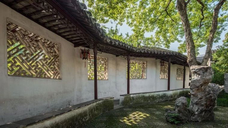苏州园林花窗:千姿百态,一窗一景