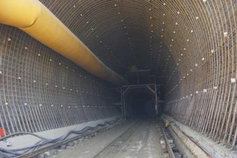 棋盘梁特长隧道二次衬砌施工技术交底