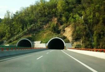 隧道二次衬砌质量和安全技术措施