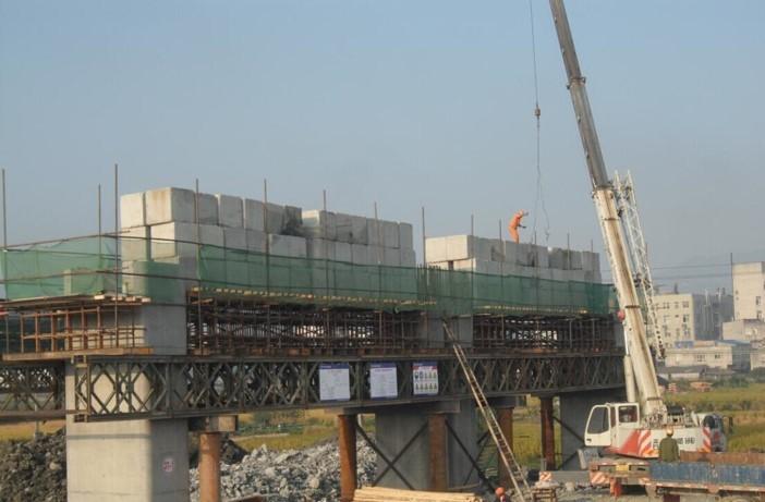 盖梁施工工艺、支撑形式及施工步骤