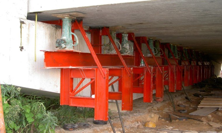 桥梁下部结构加固技术及支座更换方法
