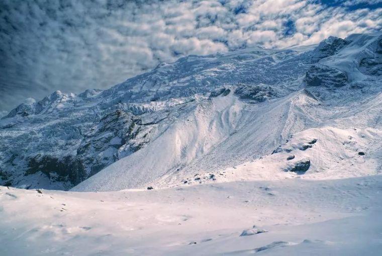 除雪平地机和安第斯山脉的冰雪奇缘