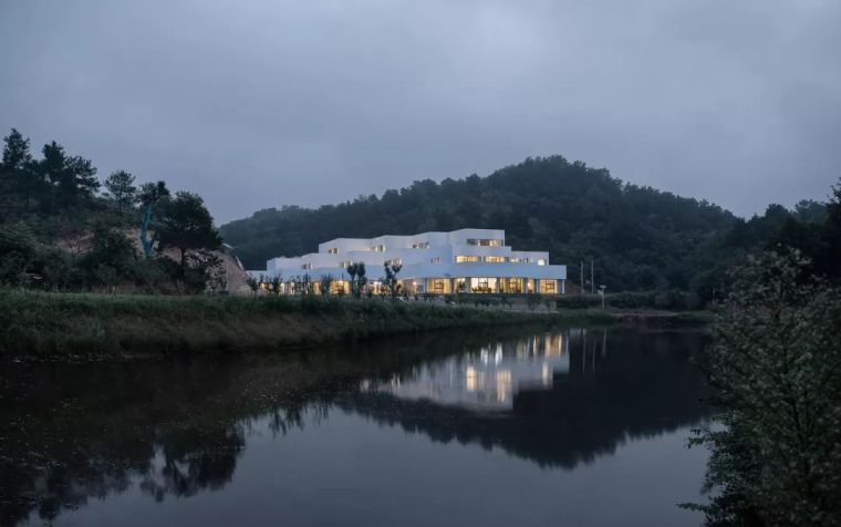 神山岭生态观光园综合服务中心