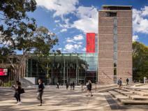 澳大利亚麦考瑞大学科学与工程学院大楼改造