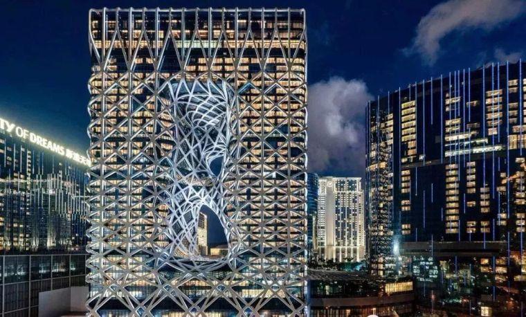 全球首个自由形态外骨骼网架结构幕墙
